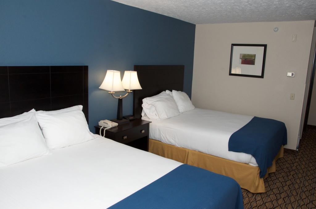 Holiday Inn Express Cadillac