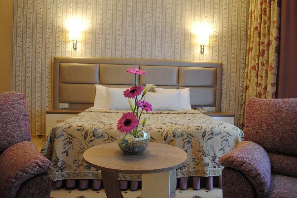 Отель Flowers