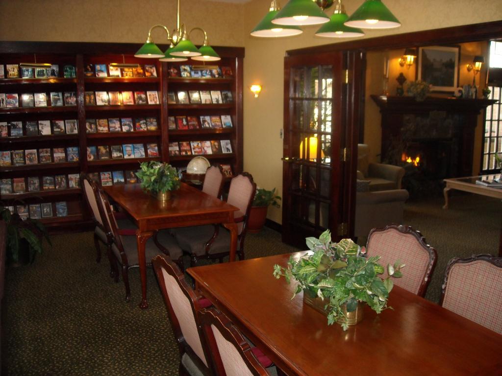 Cloverleaf Residence Suites
