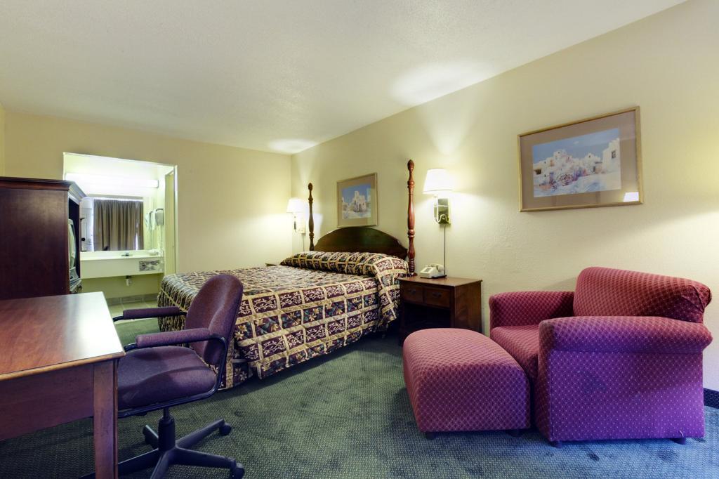 阿馬里洛機場騎士飯店