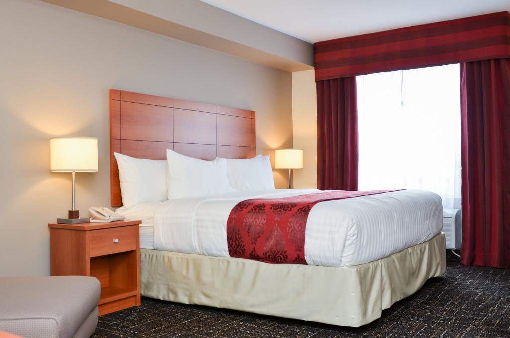 BEST WESTERN Thompson Hotel & Suites