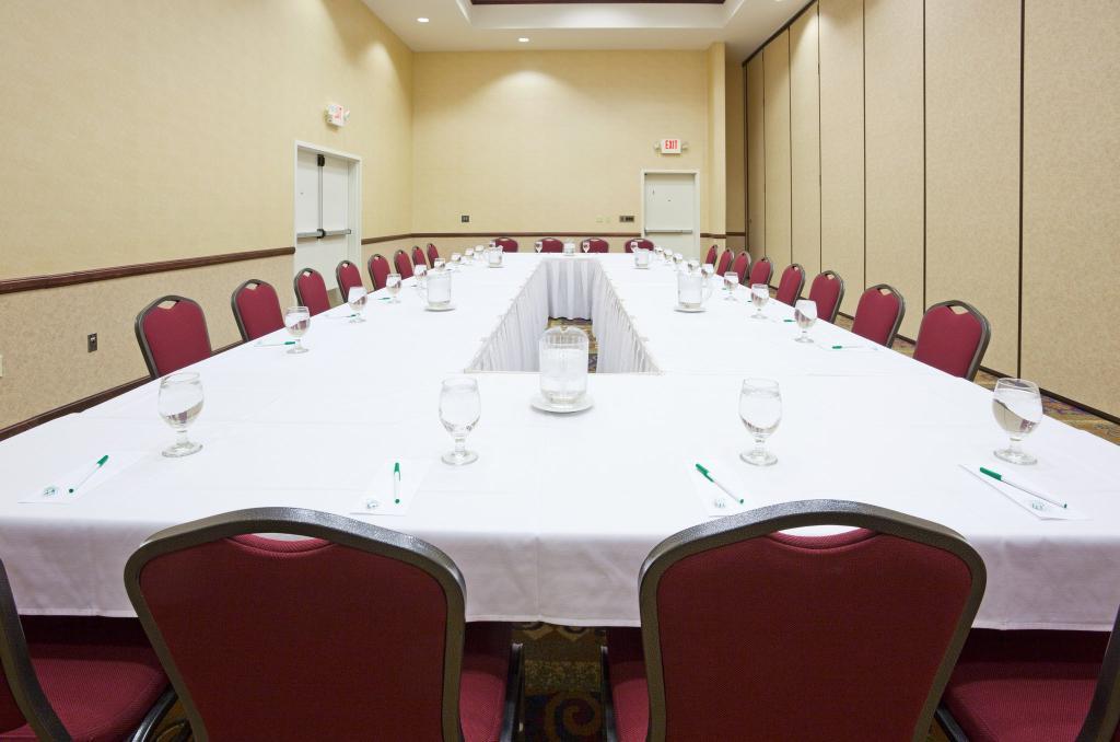 Holiday Inn Conference Center Marshfield