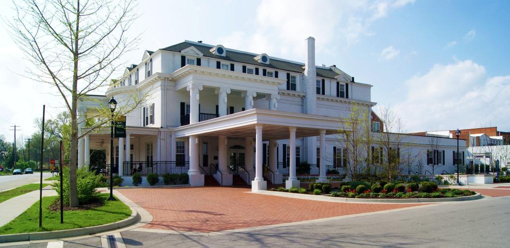 Boone Tavern Hotel