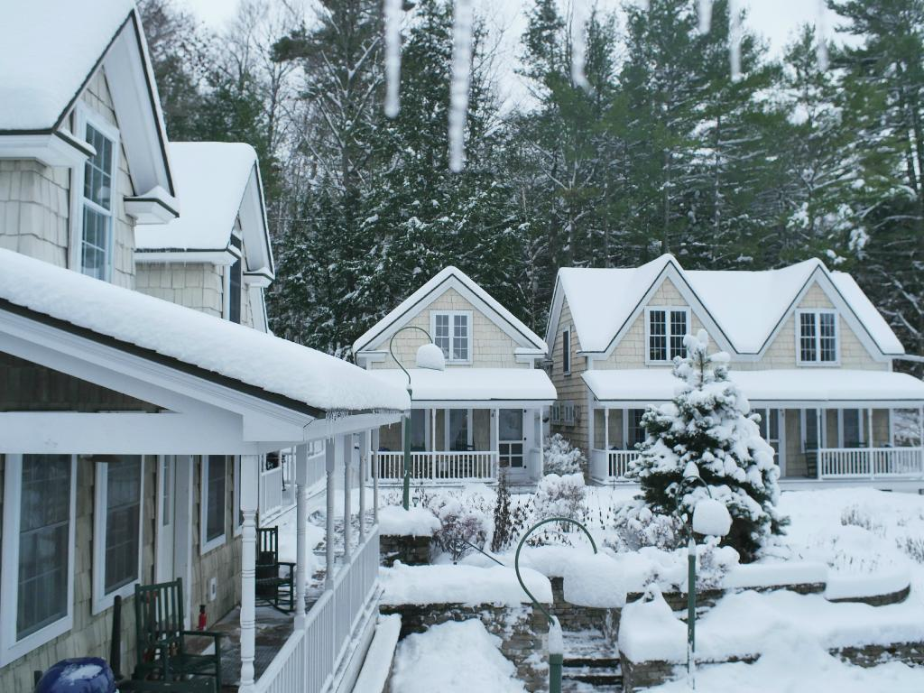 Sunapee Harbor Cottages