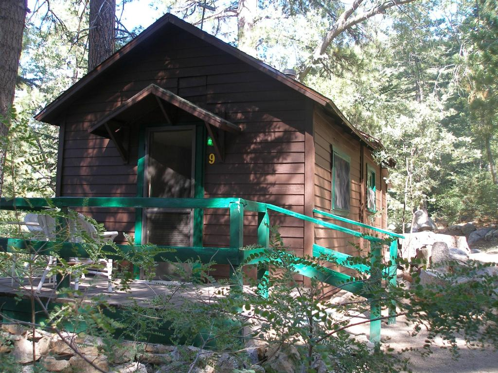The Lodge at Angelus Oaks