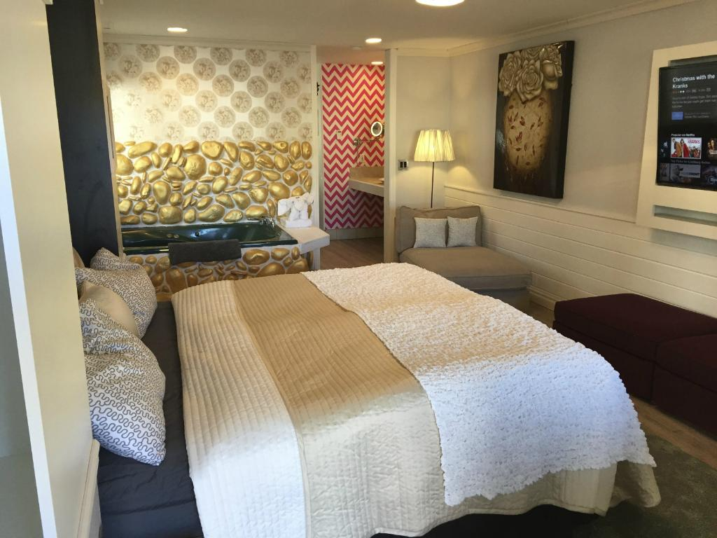 Lindberg Suites