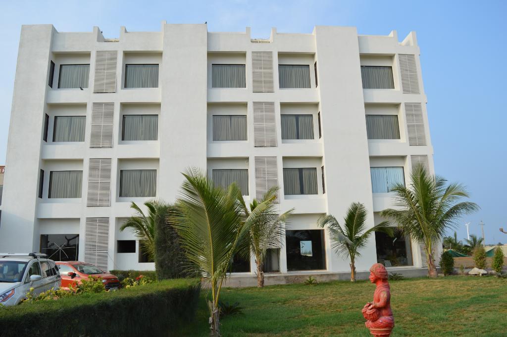 Goverdhan Greens Resort