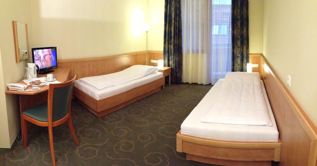 Semiramis Business Hotel