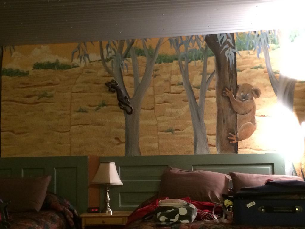 La Collage Inn