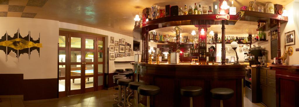 Paul's Pub