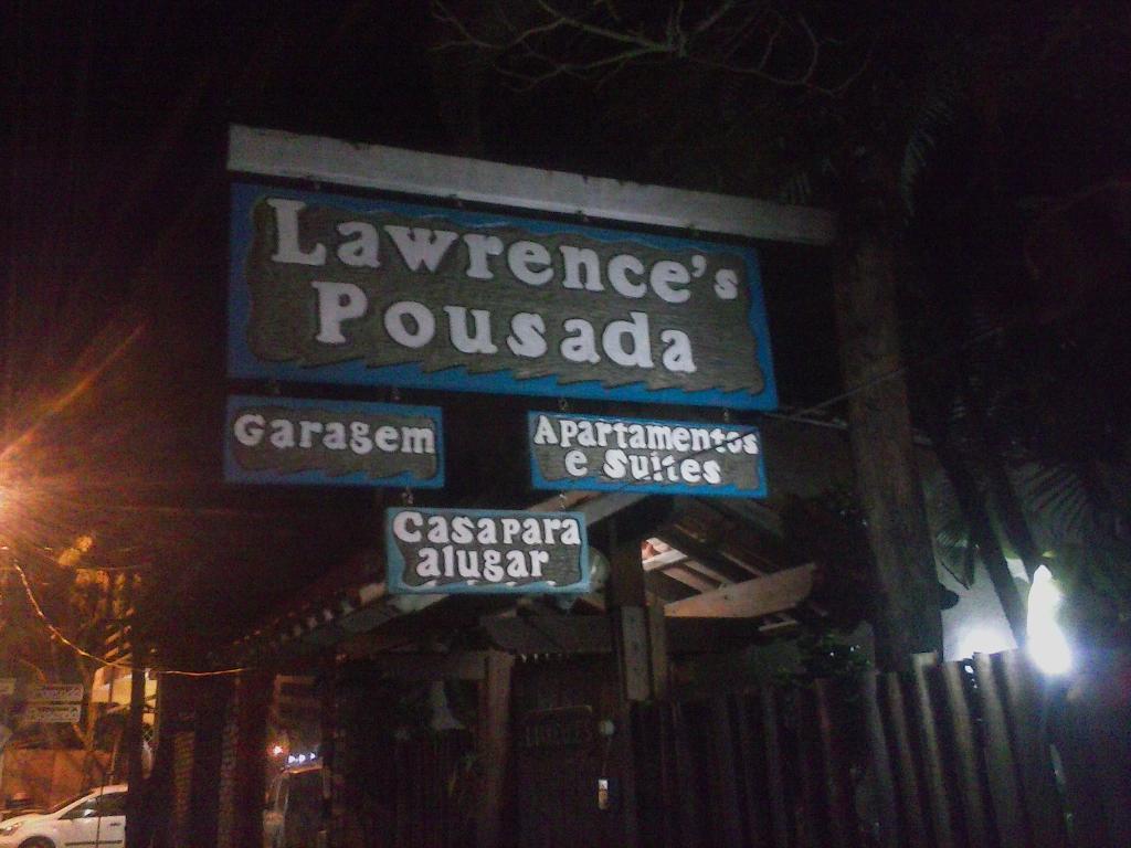 Lawrence's Surf House Pousada