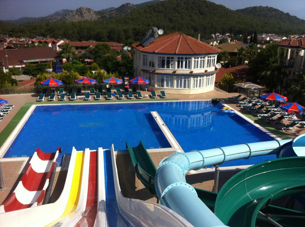 Gurol Aqua Resort Hotel & Apart