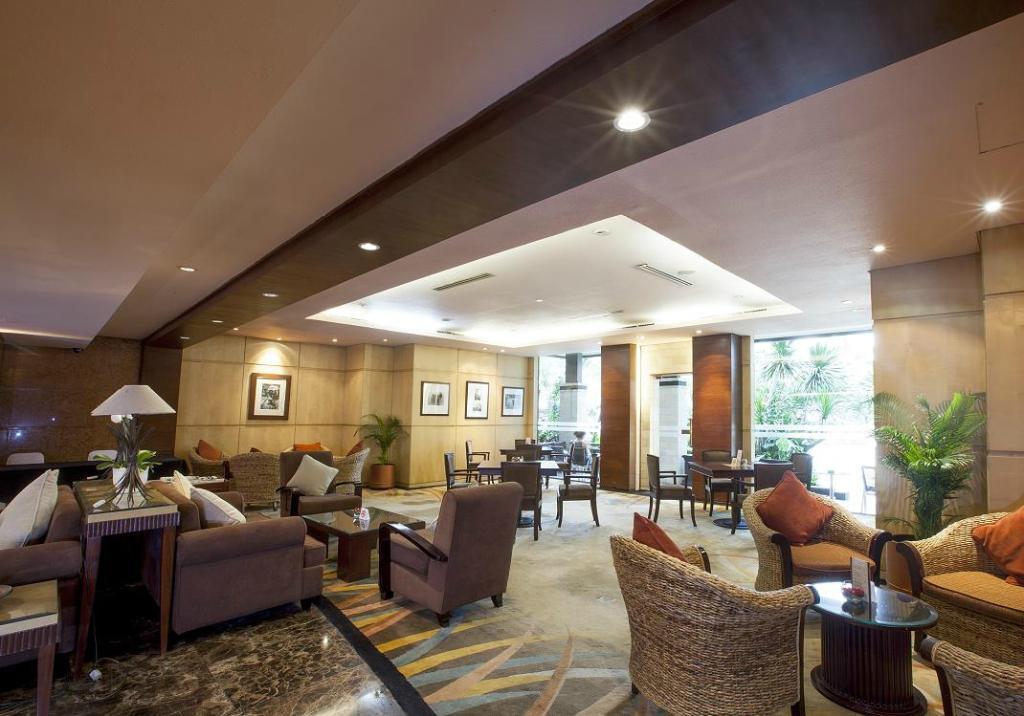 โรงแรมคริสตาล