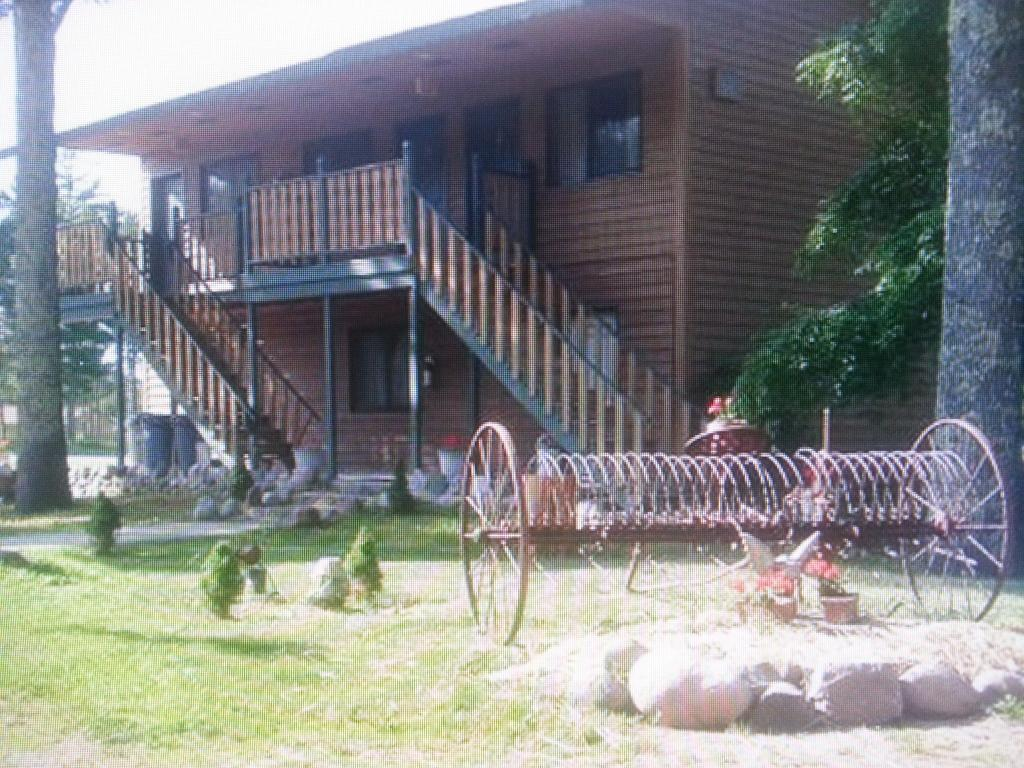 Spider Lake Motel