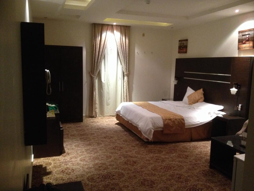 Rest Night Hotel Suites- Al Ta`awon
