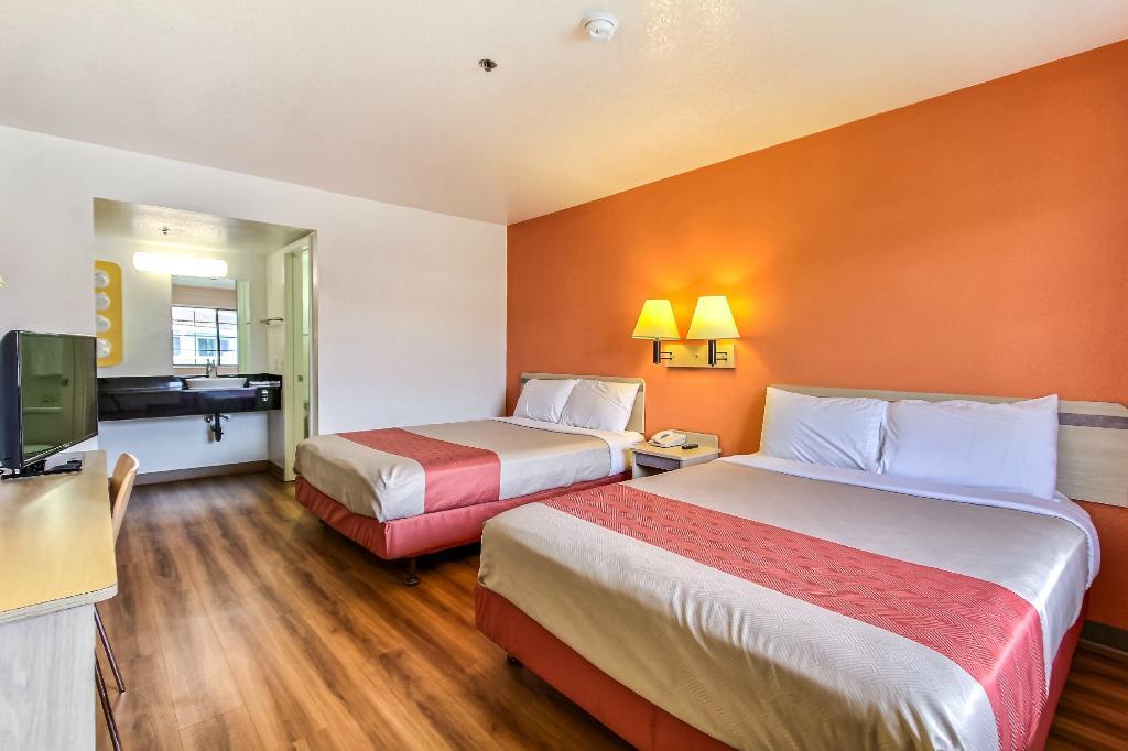 Motel 6 Salinas North - Monterey Area