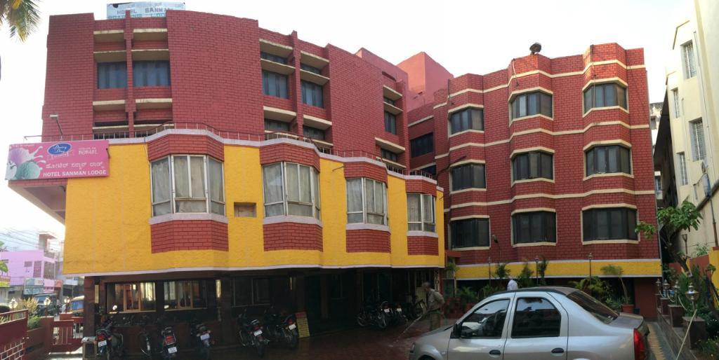 Hotel Sanman Lodge
