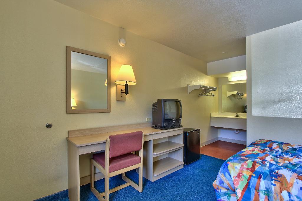モーテル 6 フェニックス イースト