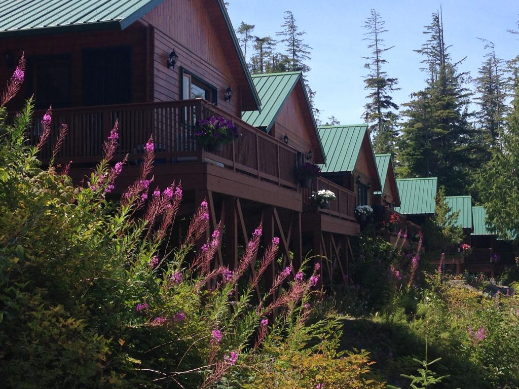 Bear Cove Cottages Resort