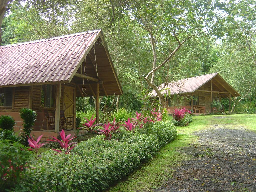 ‪Arenal Oasis Eco Lodge & Wildlife Refuge‬