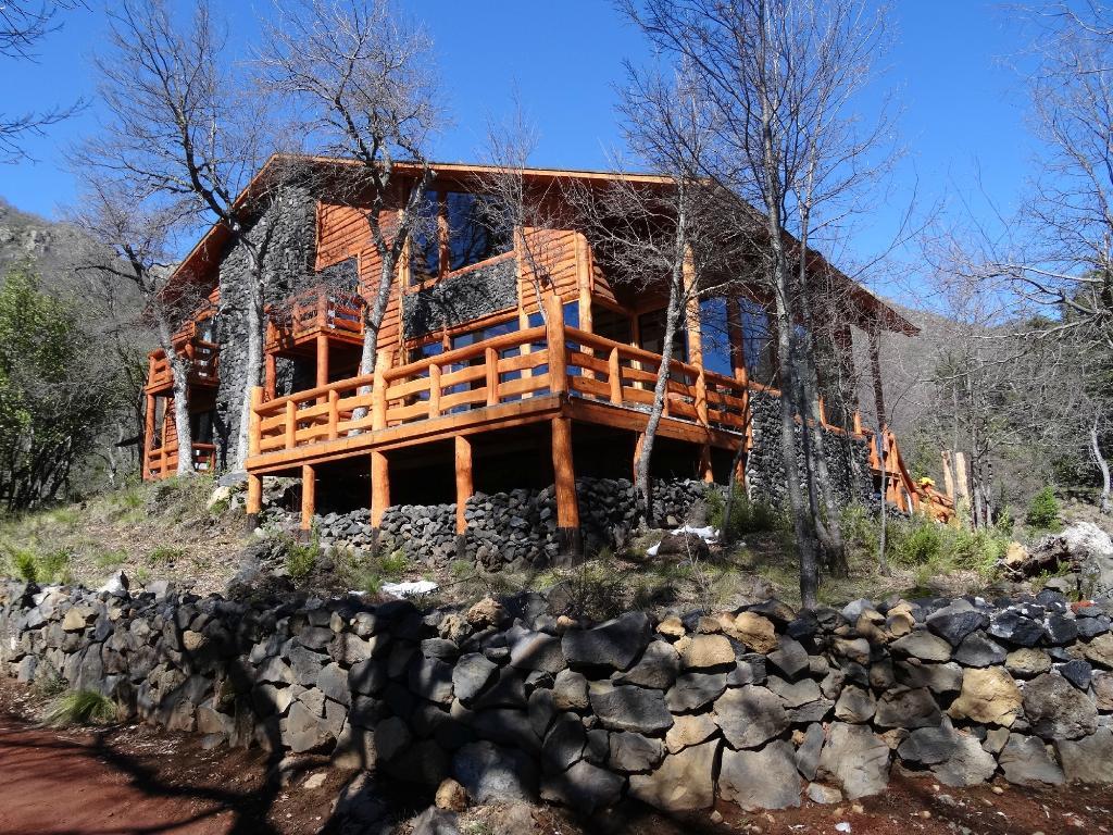 Cabanas y Lodge Entrerocas