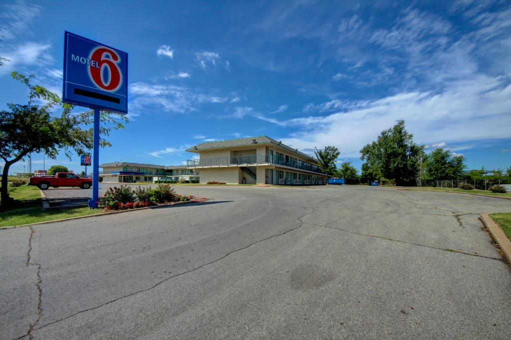 Motel 6 Tulsa West