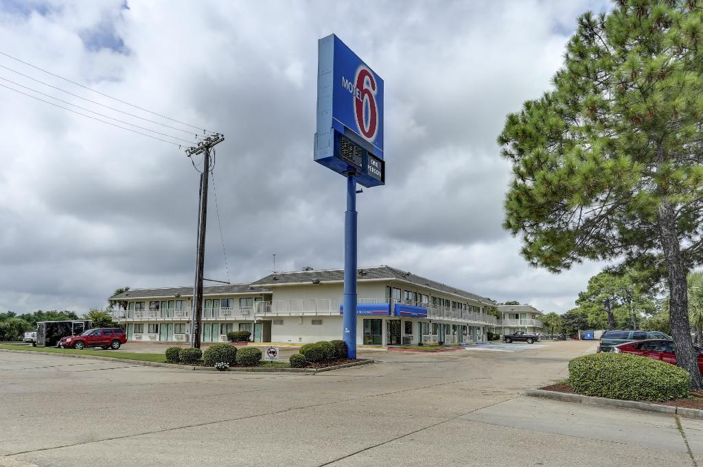 Rodeway Inn & Suites