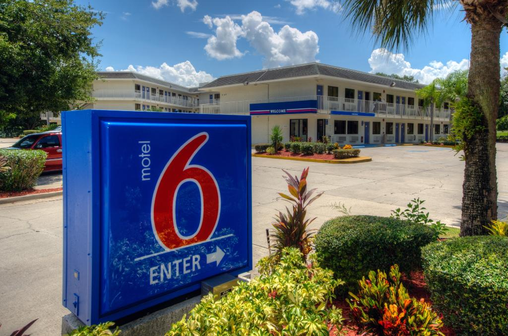 Motel 6 Bradenton