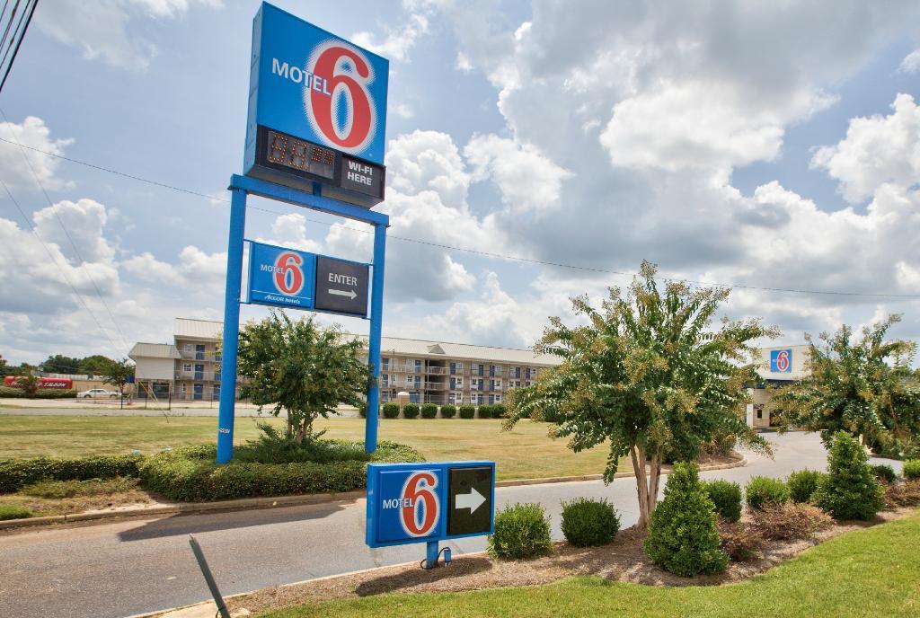 Motel 6 Dothan