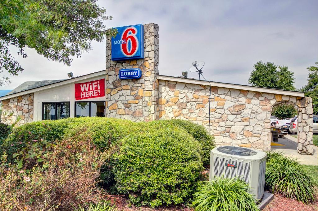 モーテル 6 バーリントン NC