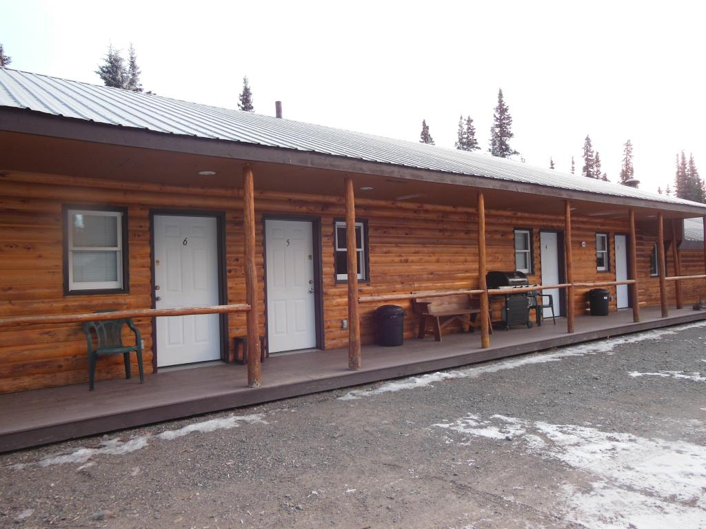 Backwoods Lodge