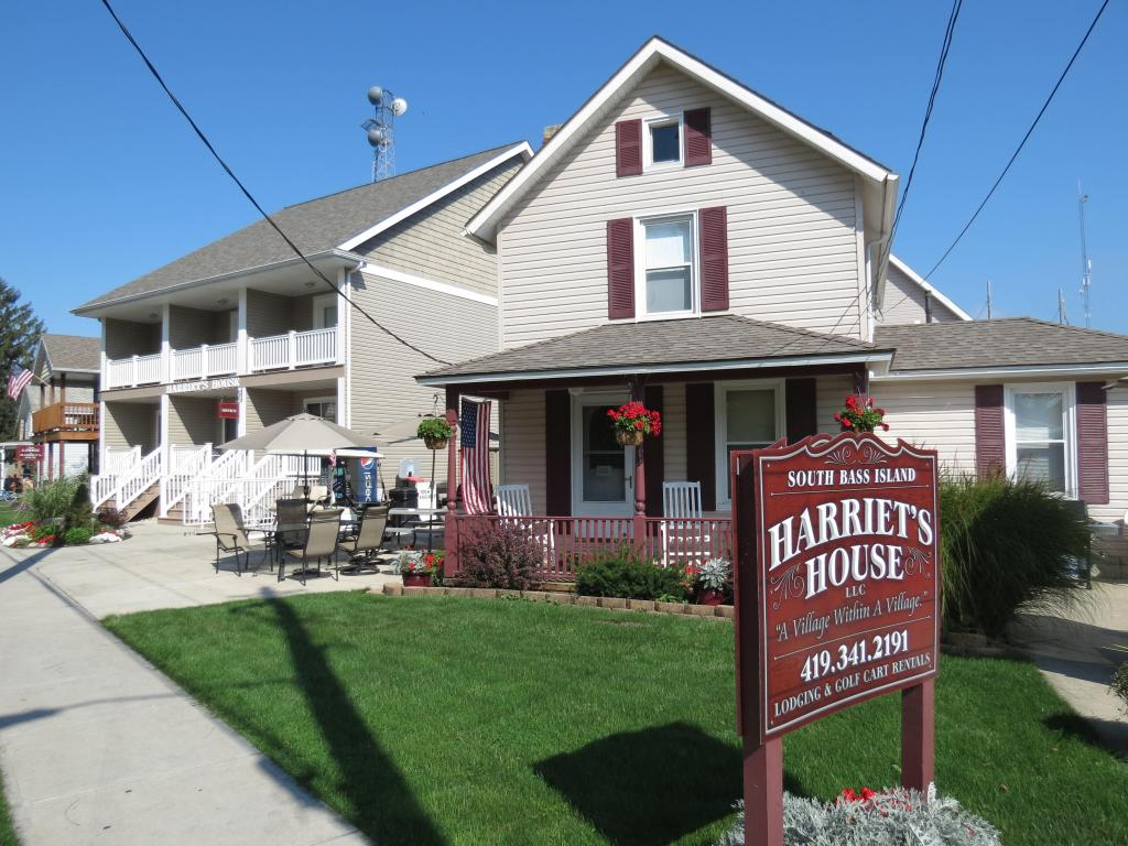 Harriet's House & Island Suites