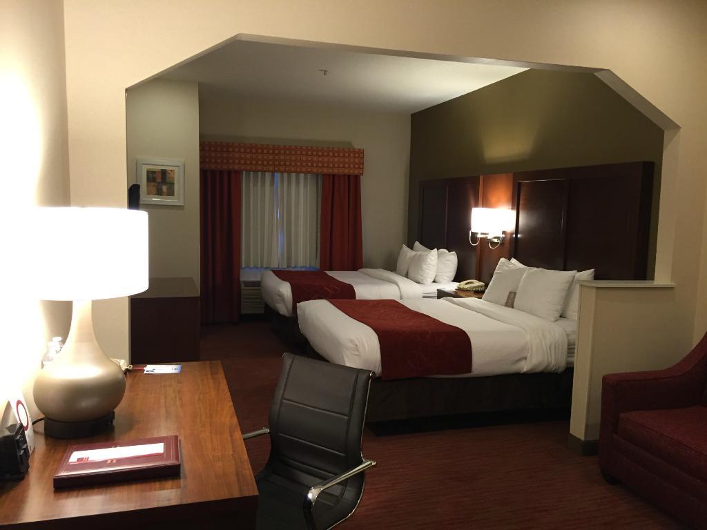 Comfort Suites - Columbus / Clara St