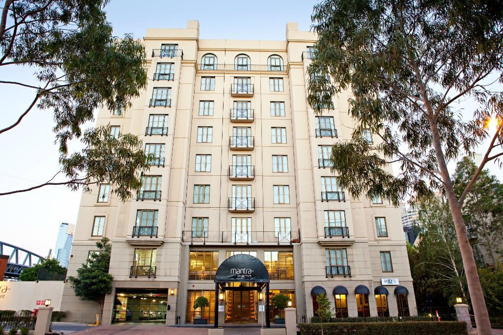 โรงแรมแมนทราออนโจลิมอนท์