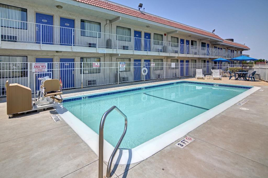 Motel 6 Ft. Worth East