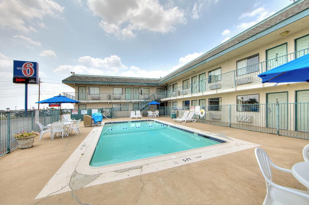 Motel 6 Dallas - Euless