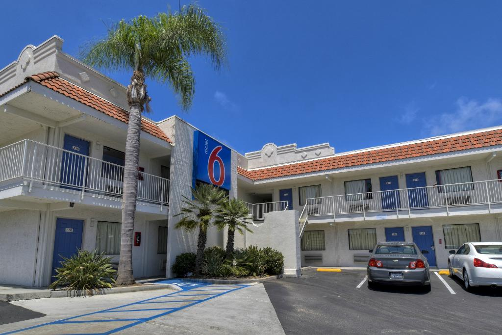 ‪Motel 6 Carlsbad East‬