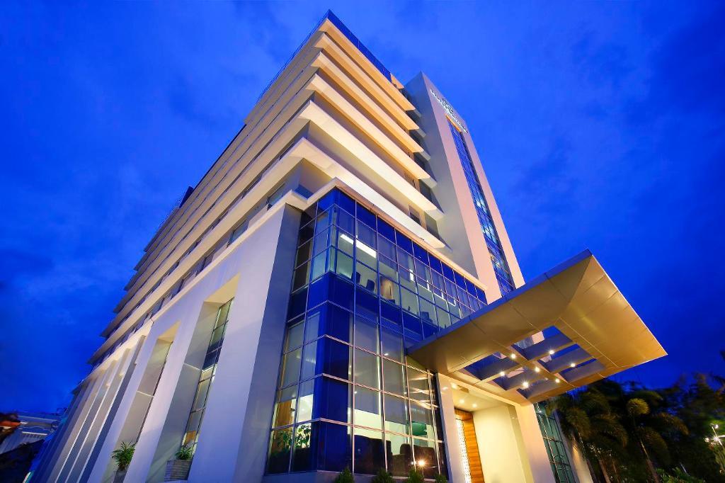 호텔 산티카 마카사르