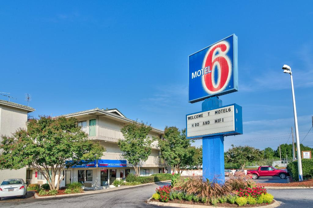 Motel 6 Columbia West SC