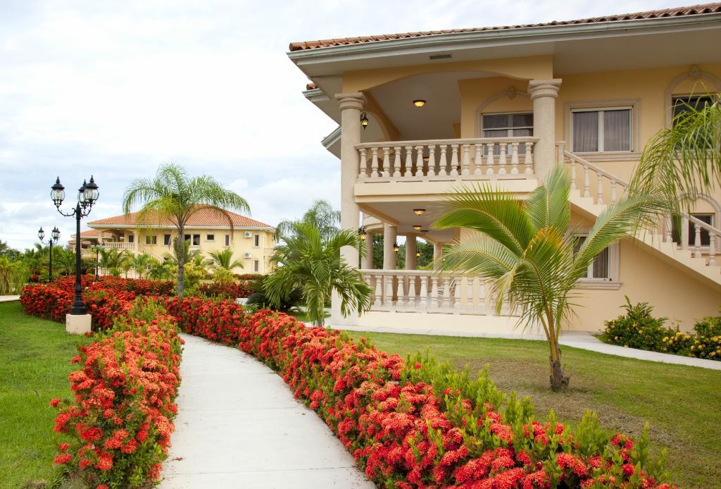 La Ensenada Beach Resort & Convention Center