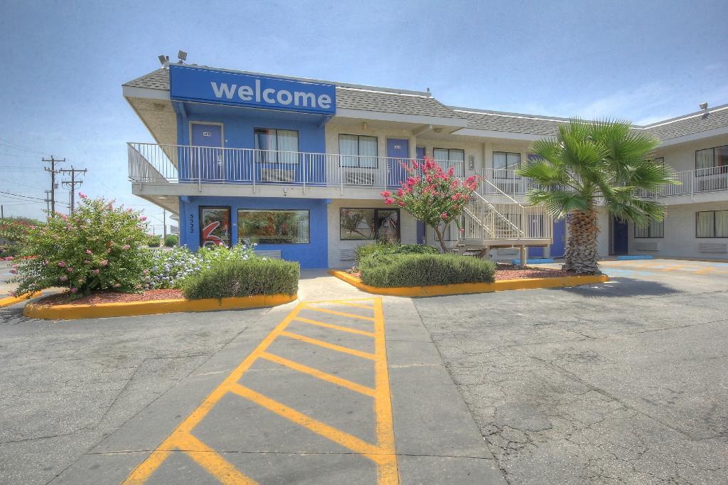 聖安東尼奧6號汽車旅館- FT山姆·休斯敦