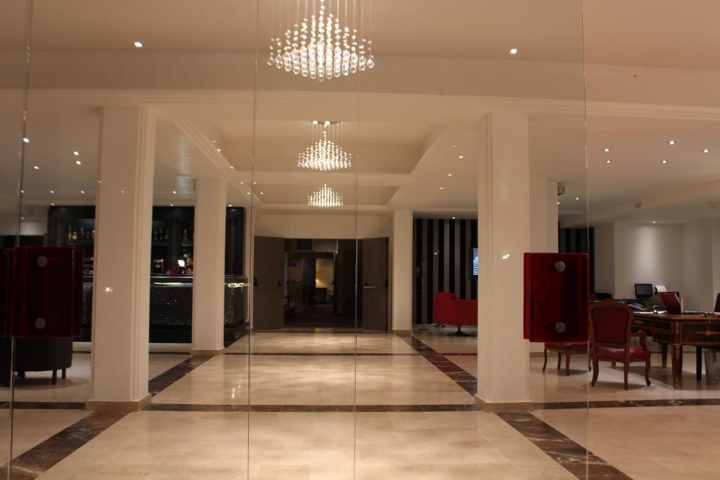 โรงแรมเรอเล เดอ คูร์ลองด์