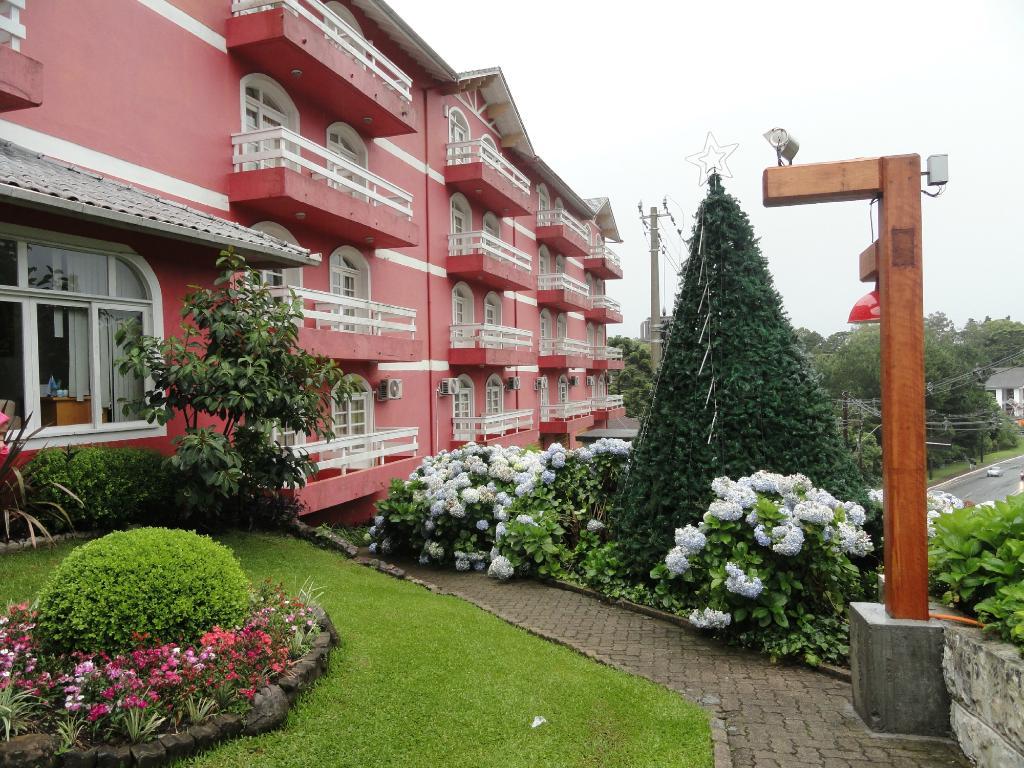 Hotel Galo Vermelho