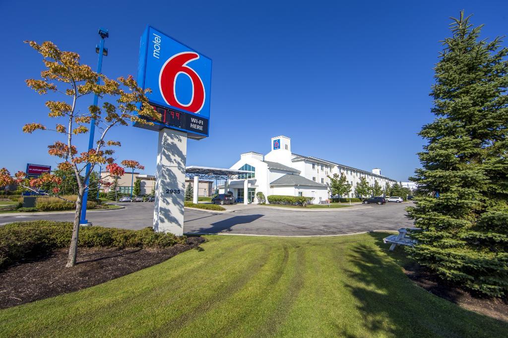 Motel 6 Toronto Mississauga