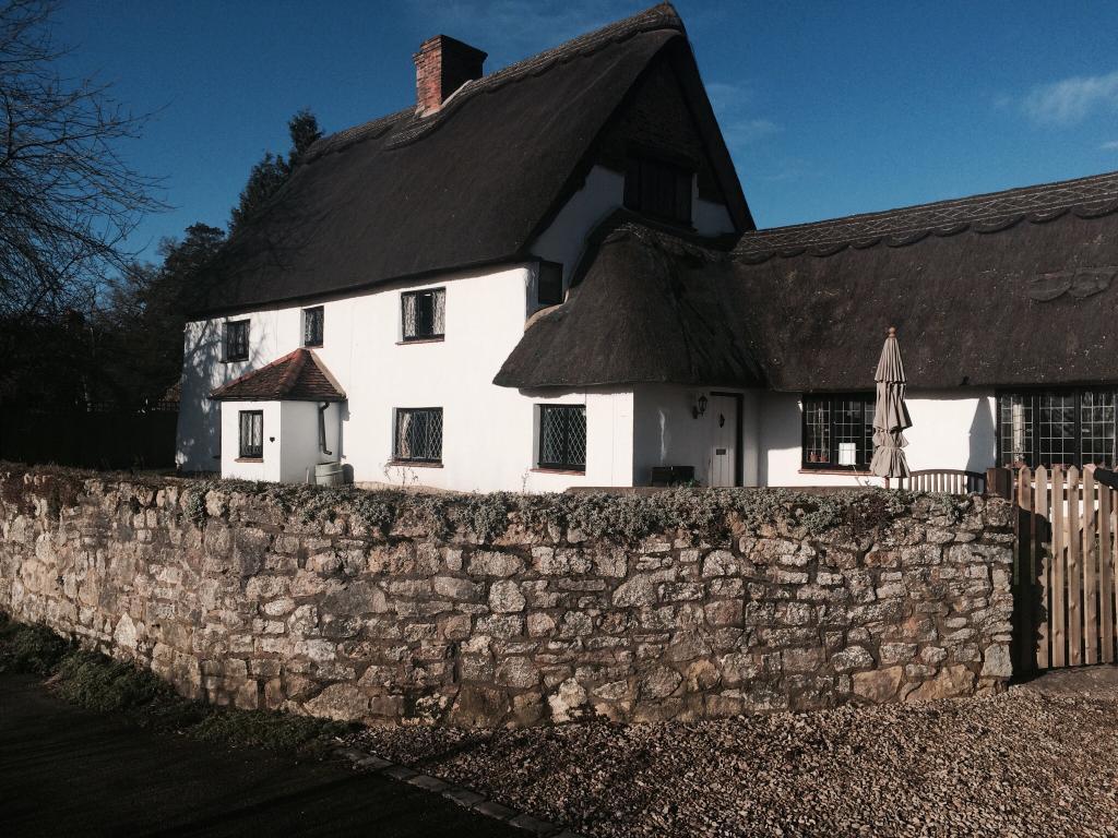 Dinton Cottage B&B