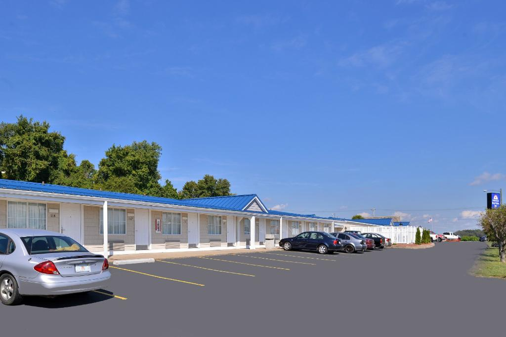 Americas Best Value Inn - St. Clairsville / Wheeling
