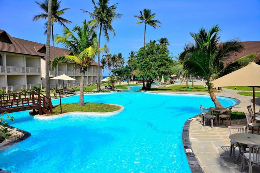 阿曼尼提維海灘度假酒店