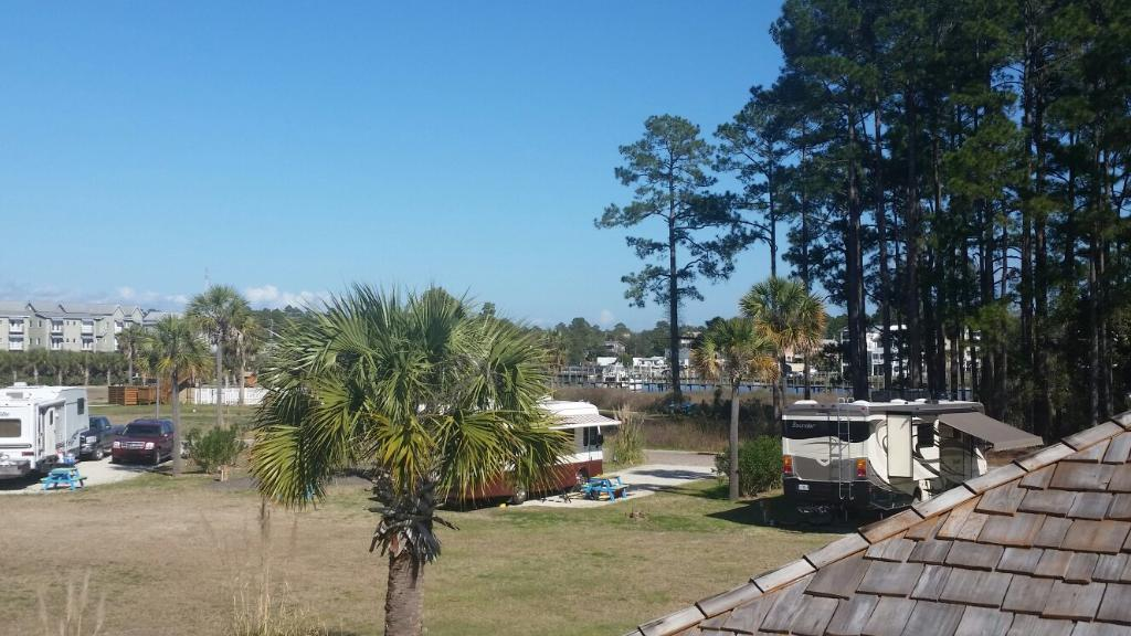 Sunset Isle RV and Yacht Resort