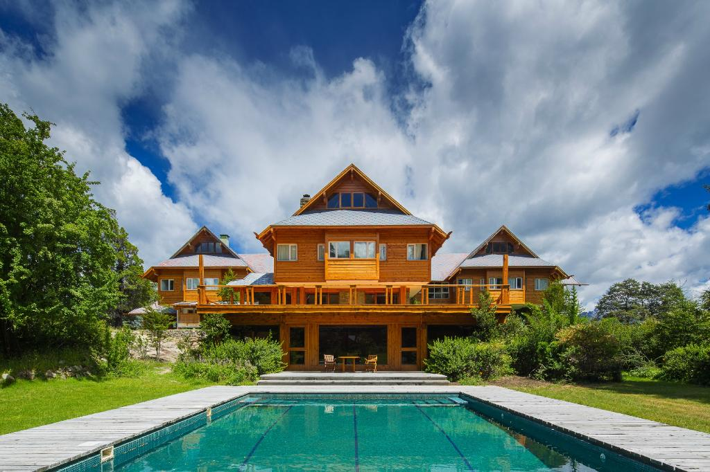 Isla Victoria Lodge