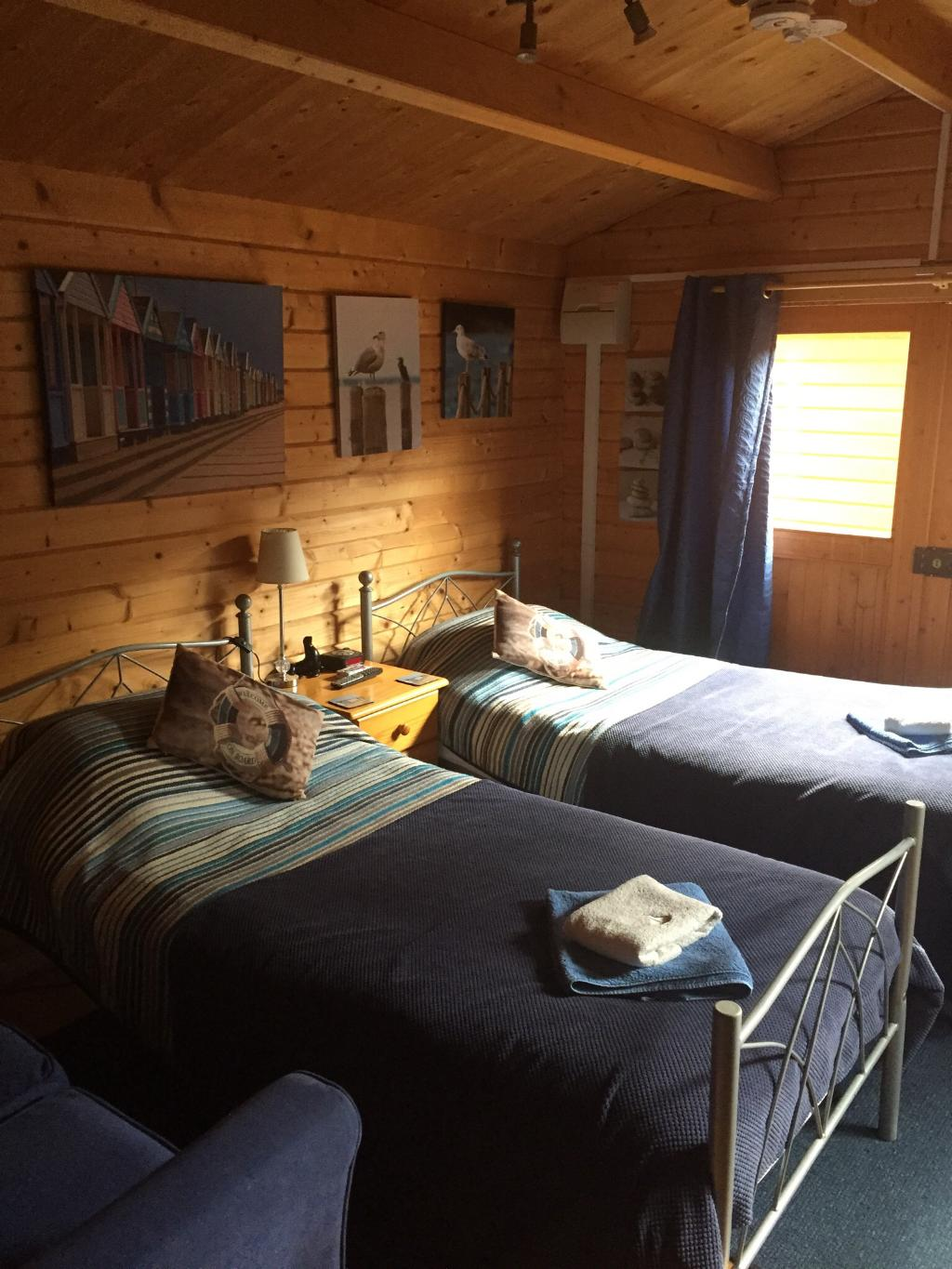 B & B in your own Ensuite Wood cabins